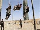 Výcvik pešmergů v hlavním městě autonomního Kurdistánu Irbílu (Irák, 17. června...