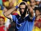 PRVNÍ ZÁPAS SE NEPOVEDL. Řekové s útočníkem Samarasem podlehli Kolumbii 0:3.