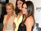 Maria Bello, Moran Atiasová a Mila Kunisová na premiéře filmu Third Person (Los...