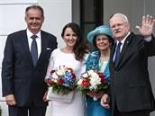 Andrej Kiska s manželkou pózuje s dnes již bývalým prezidentským párem (15....