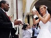 Hrdličky poletí... - Svatba na zámku Zbiroh