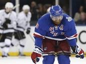 ZKLAMÁNÍ. Brad Richards z New York Rangers po gólu Los Angeles.