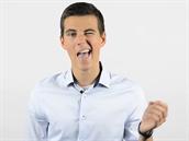 Vysvětlování anglické výslovnosti na videu může vypadat i komicky.