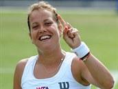 Barbora Záhlavová-Strýcová slaví postup do finále turnaje v Birminghamu.