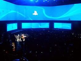 Tisková konference Sony v Los Angeles v roce 2014 probíhala ve stejných...