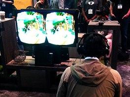 Oculus Rift na hern�m veletrhu E3 v roce 2014