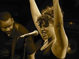 Jazzová zpěvačka Shayna Steel