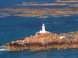 Maják La Corbiére na západním výběžku ostrova Jersey