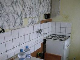 Původní kuchyň po odstranění investorské linky