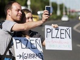 Mistrovství České republiky v autostopu začalo. Účastníci se musí co...
