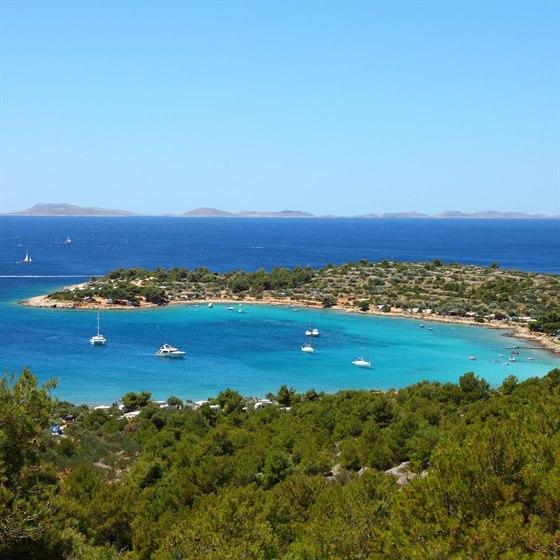 Chorvatsko patří k vyhledávaným destinacím zejména pro blankytně čisté moře.