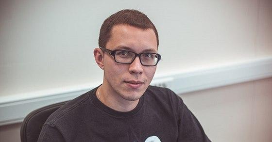 Alexander Trifonov, šéf PR ve společnosti Gaijin. Tedy u autorů War Thunder.
