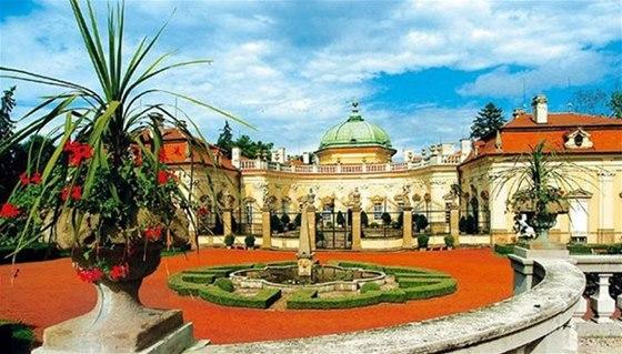 Jedním z nejvýznamnějších barokních zámků v Česku jsou Buchlovice s rozsáhlou