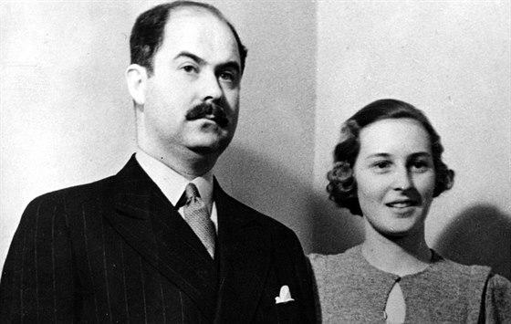 Ernst s manželkou na fotografii z roku 1936.