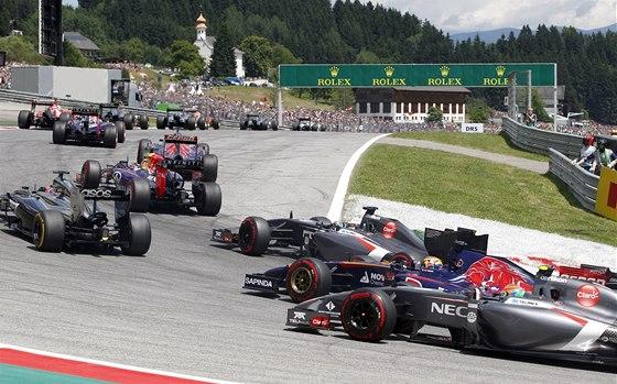 PO STARTU. Jezdecké pole Velké ceny Rakouska formule 1.