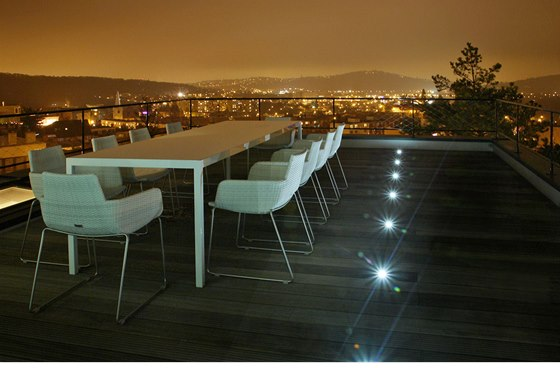 Výhled na město z terasy u obývacího pokoje patří k momentům, které činí toto
