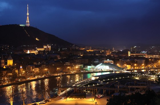 Přestože Tbilisi je velmi pěkné město, turisté se mu zatím spíše vyhýbají.