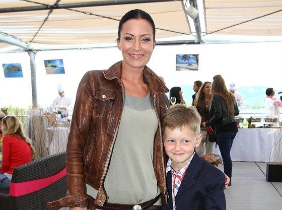 G�bina Party�ov� a jej� syn Kristi�n