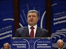 Ukrajinský prezident Petro Porošenko řeční ve Štrasburku (26. června 2014)