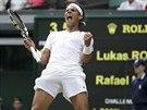 POSTUP. Španělský tenista Rafael Nadal se hodně raduje z výhry nad Lukášem...
