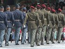Na Václavském náměstí své umění předvedli zástupci čestných stráží šesti armád...