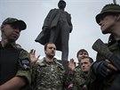 Na Leninově náměstí v Doněcku složili v sobotu proruští separatisté slib...