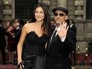 Přehlídky pánské módy v Miláně - zpěvák Eros Ramazzotti a Marica...