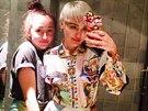 Sestry Cyrusovy si udělaly selfie na záchodě.