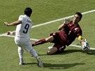 VELKÁ ŠANCE. Italský gólman Gianluigi Buffon perfektně zlikvidoval šanci...