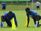 Franci Litsingi (vlevo) a Chukwudi Chukwuma na prvním tréninku fotbalistů