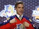 Kanadský obránce Aaron Ekblad byl draftu NHL vybrán Floridou jako číslo jedna.