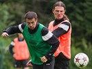 Marek Kulič (vlevo) a Adrian Rolko na tréninku hradeckých fotbalistů před novou...