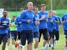 NOVÝ VŮDCE TEPLIC? Ivo Táborský (uprostřed) vede fotbalovou teplickou partu na...
