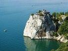 Členité pobřeží nedaleko Duina