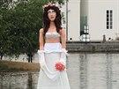 Na Vltavě vyrostla obří socha nevěsty, přihlásila se k ní TV Prima. Socha...