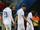 ALBION V POT͎�CH. Fotbalist� Anglie po proh�e s Uruguay�.