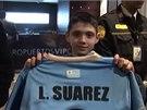 Suáreze přišly vítat stovky fanoušků