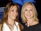 Chloe Lattanzi a její matka Olivia Newton-Johnová (Sydney, 23. dubna 2002)