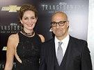 Stanley Tucci a jeho man�elka Felicity Bluntov� na premi��e filmu Transformers: Z�nik (New York, 25. �ervna 2014)
