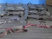 Brýle, které si z bazaru odnesla policie.