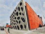 Prohlídka skoro dokončeného Nového divadla v Plzni.
