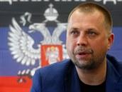 Premiér proruské Doněcké lidové republiky Alexandr Borodaj na sobotní tiskové...
