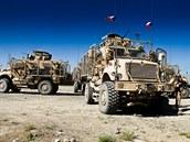 Obrněná vozidla MRAP českých vojáků během patroly v okolí Bagrámu v Afghánistánu
