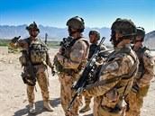 Čeští vojáci na patrole v okolí základny Bagrám