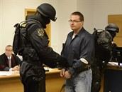 Osmat�icetiletý Martin Bódi� u zlínského soudu, kv�li dev�t let staré vra�d�.