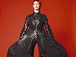 David Bowie v kostýmu od Kansai Jamamota