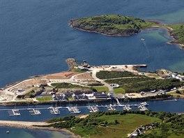 Marina pro rekreační lodě – ostrov Arran, Skotsko