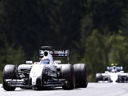 NA KOPCI. Felipe Massa s vozem Williams při Velké ceně Rakouska F1.