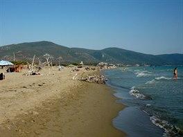 Spoře zalidněná pláž u Mariny di Alberese