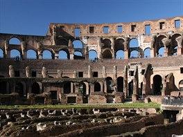 V ��msk�m Koloseu zem�elo podle um�rn�n�ch odhad� na 700 tis�c lid�. N�kte��...